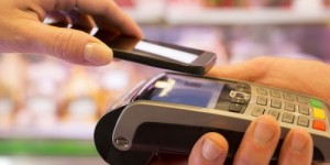 paiment-mobile-sans-contact-nfc-©-LDprod-shutterstock-684x250