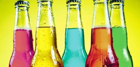 La Commission européenne reporte une nouvelle fois son rapport sur l'alcool et c'est le consommateur qui trinque!