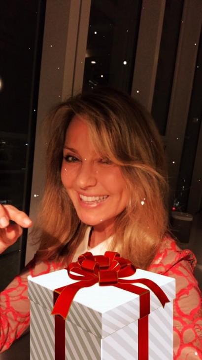 Femme Nu Joyeux Noel frédérique ries » députée européenne