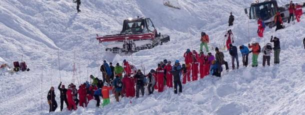 Neuf personnes emportées par une avalanche à Tignes, 4 morts