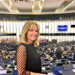 jeunes-journée-alde-visiteurs-européen-politique-strasbourg-schaerbeek-cigarette-parlement-interview-vidéo-parlement européen-ries mariee-mariee femme-belle